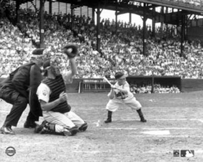 Eddie Gaedel at bat