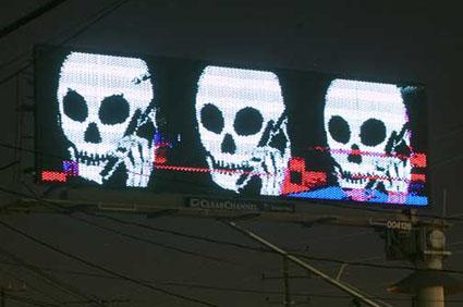 skullphone-6-425.jpg